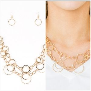 URBAN CENTER GOLD NECKLACE/EARRING SET